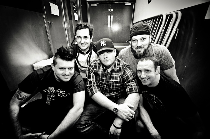 "Less Than Jake: il nuovo singolo, ""WHATEVER THE WEATHER"""