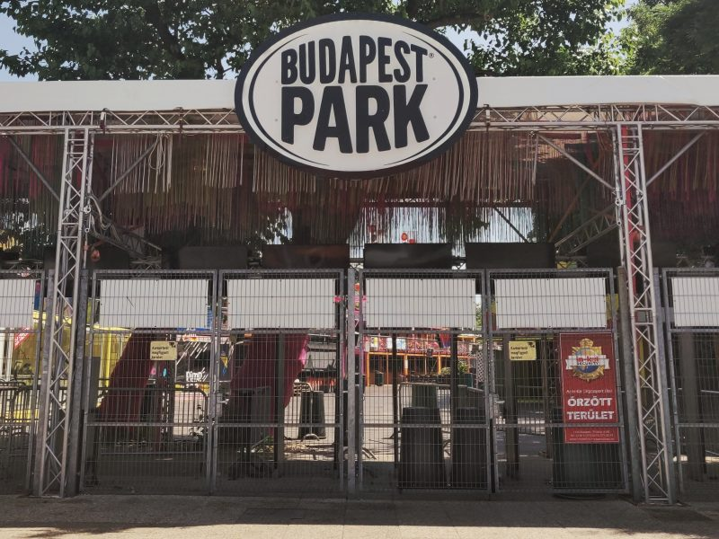 Recensione: Budapest Park – Leave Reality Behind