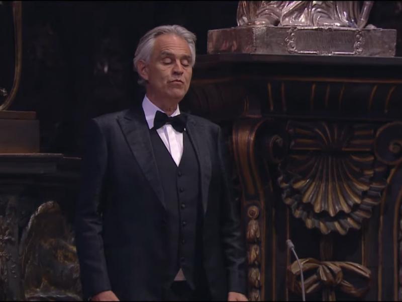 Andrea Bocelli concerto nel Duomo di Milano: spettacolo da brividi