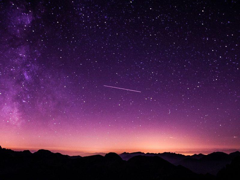 Playlist Notte di San Lorenzo: 10 canzoni da ascoltare sotto le stelle