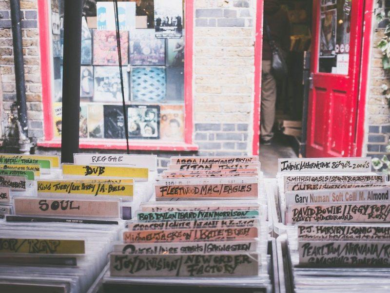 Perché le versioni giapponesi dei dischi hanno più bonus tracks
