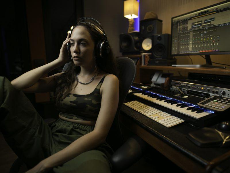 """Ellie Cottino, online il suo singolo di debutto """"Hip Hop"""""""