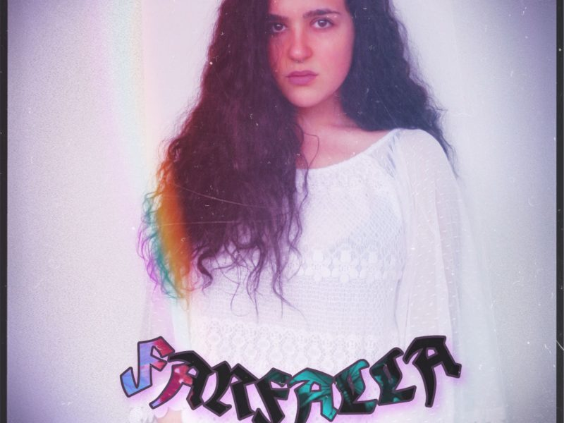 """Michela, fuori il suo primo album """"Farfalla"""": dolce poesia"""