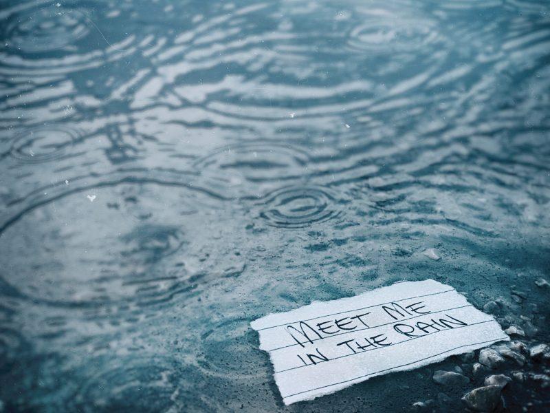 """""""Petrichor"""", il primo EP dei Meet Me in The Rain: emozioni allo stato puro"""
