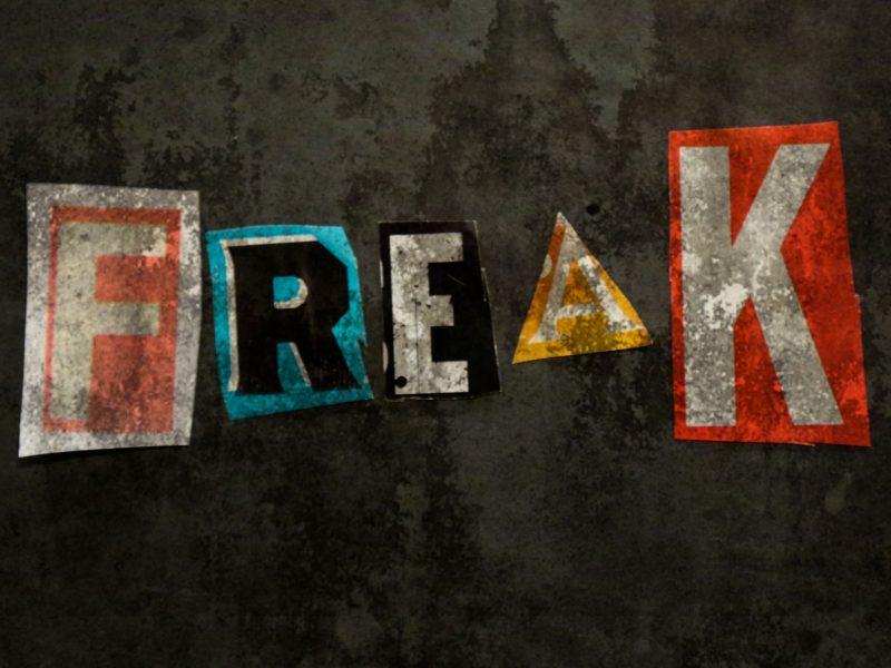 """""""Freak"""", fuori il nuovo singolo emo punk dei Love Ghost"""